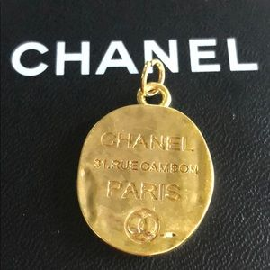 Large Chanel Zipper Pull - Gold